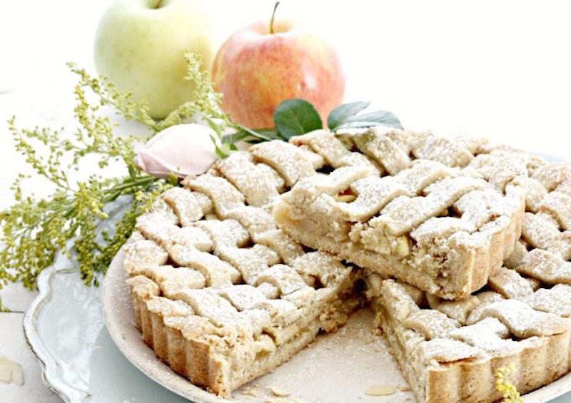 crostata-avena-e-mandorle-con-composta-di-mele