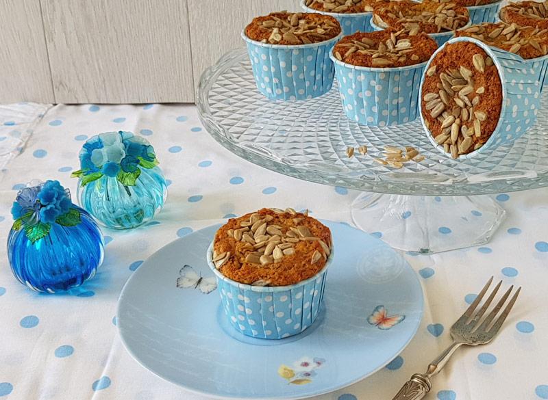 muffins-con-albicocche-mandorle-e-semi-di-girasole