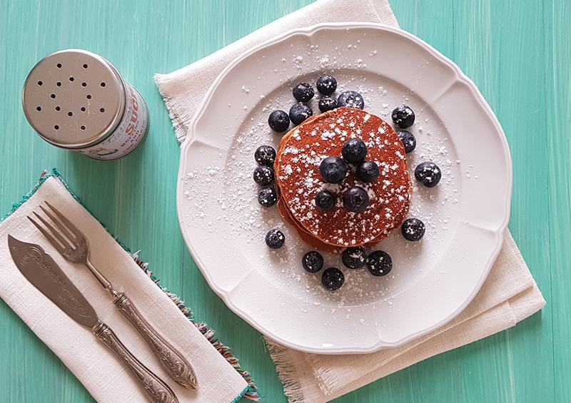 pancakes-vegani-con-avena-e-mirtilli